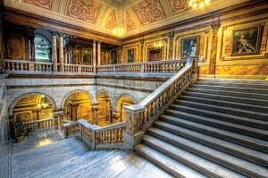 city-chambers-stairwell