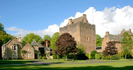 1372170483dean-castle-country-park-page-link