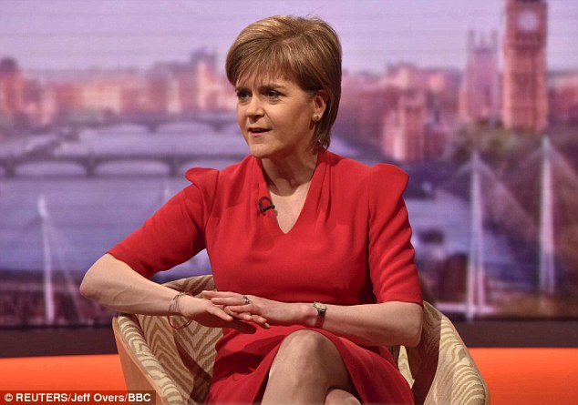 27BCBD3400000578-3046238-The_Scottish_Nationalists_led_by_Nicola_Sturgeon_have_threatened-a-21_1429487610999