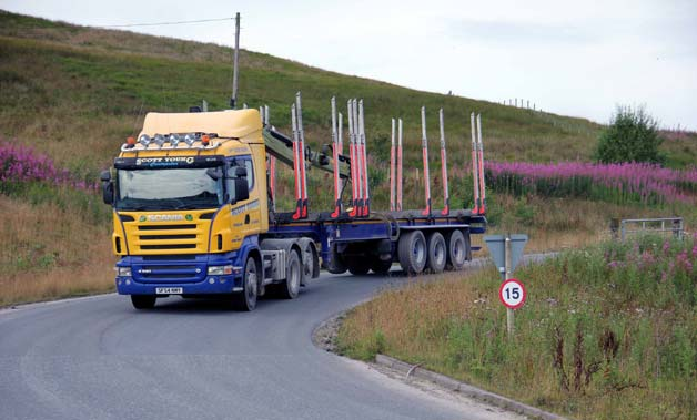 Eskdalemuir-Timber-lorry