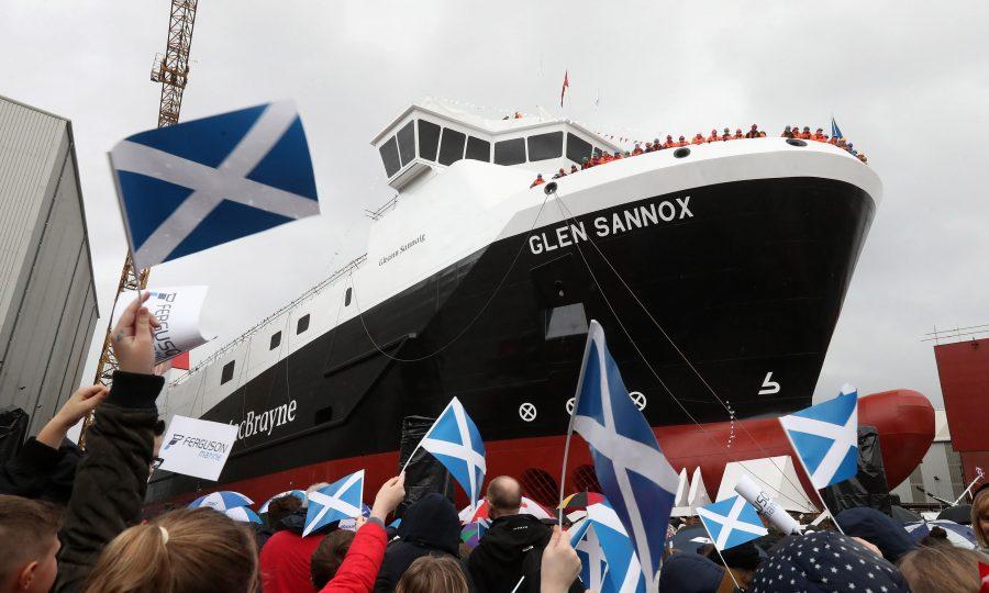 SCOTLAND-Ferry-144851.jpg-900x540
