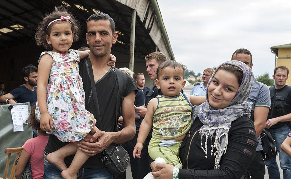 refugee-family
