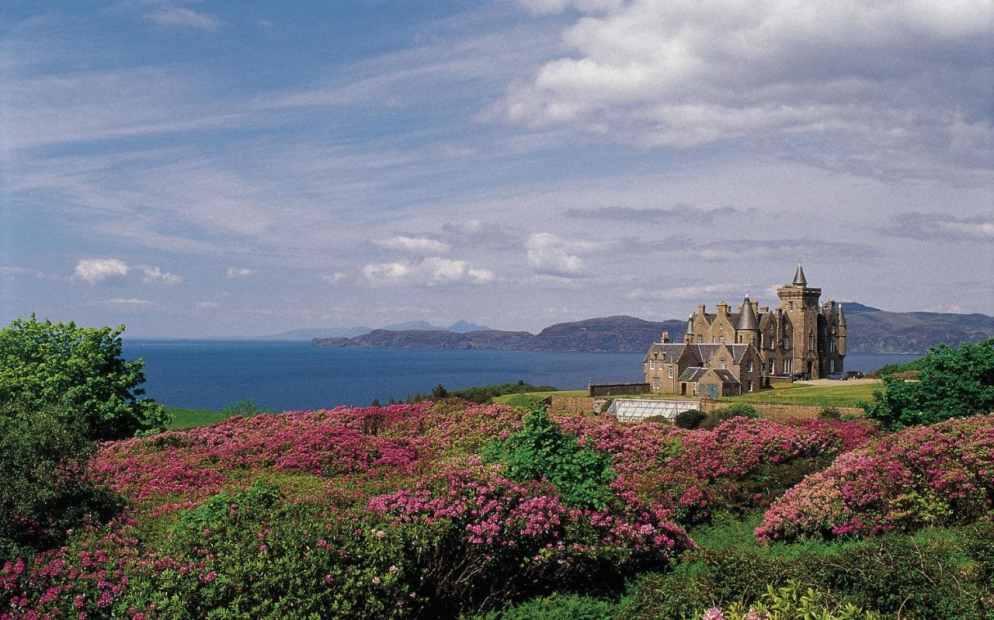 glengorm-castle-mull-scotland-summer-xlarge