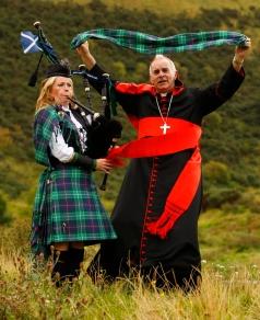 CARDINAL O'BRIEN UNVEILS PAPAL TARTAN IN SCOTLAND